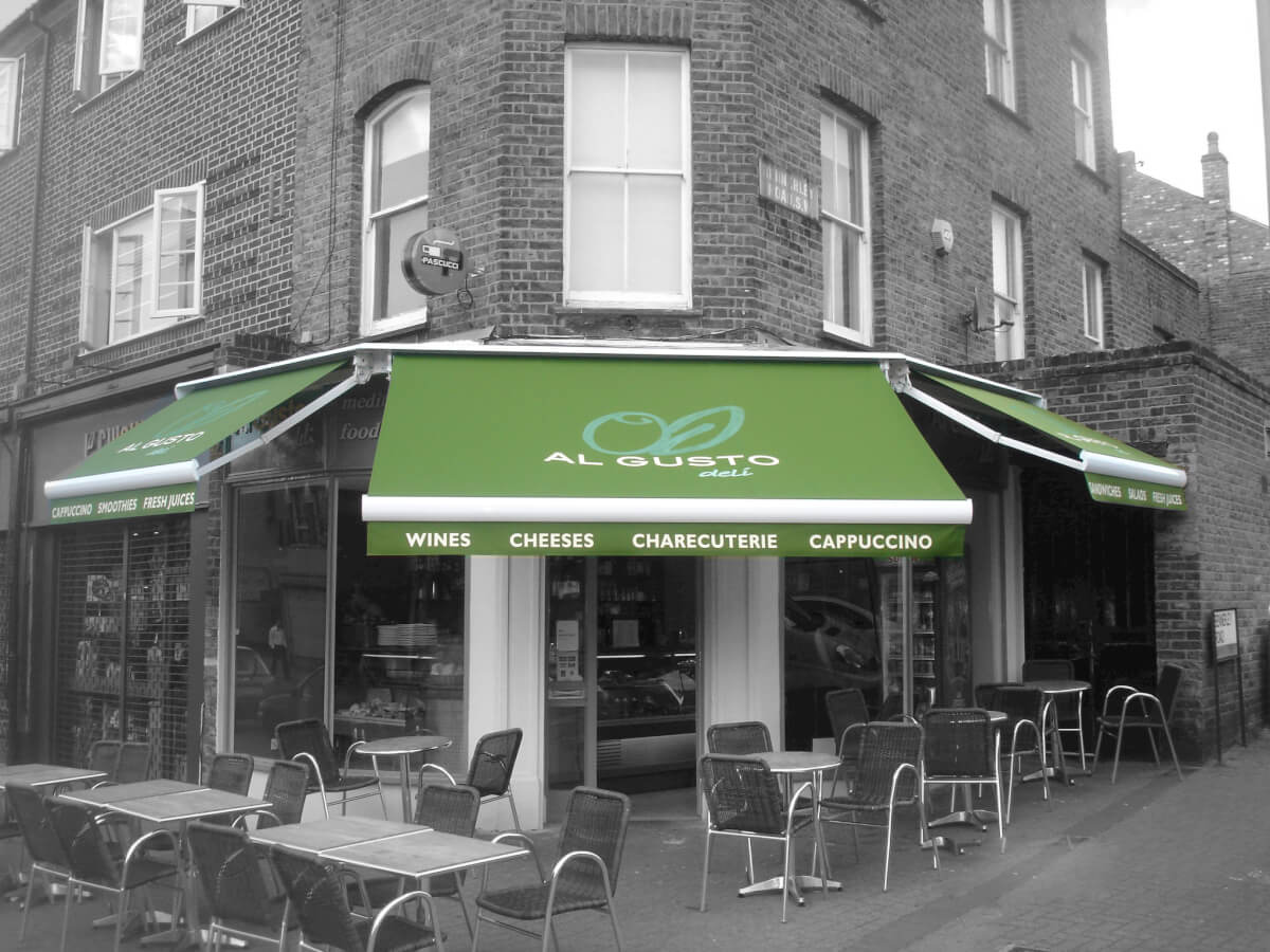 Al Gusto Green Awning