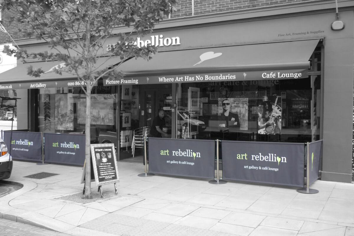 Art Gallery Coffee bariers