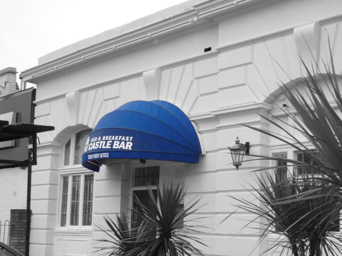 Bed & Breakfast Canopy blue